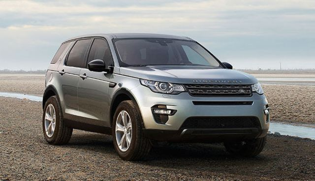 DISCOVERY SPORT From €39,000