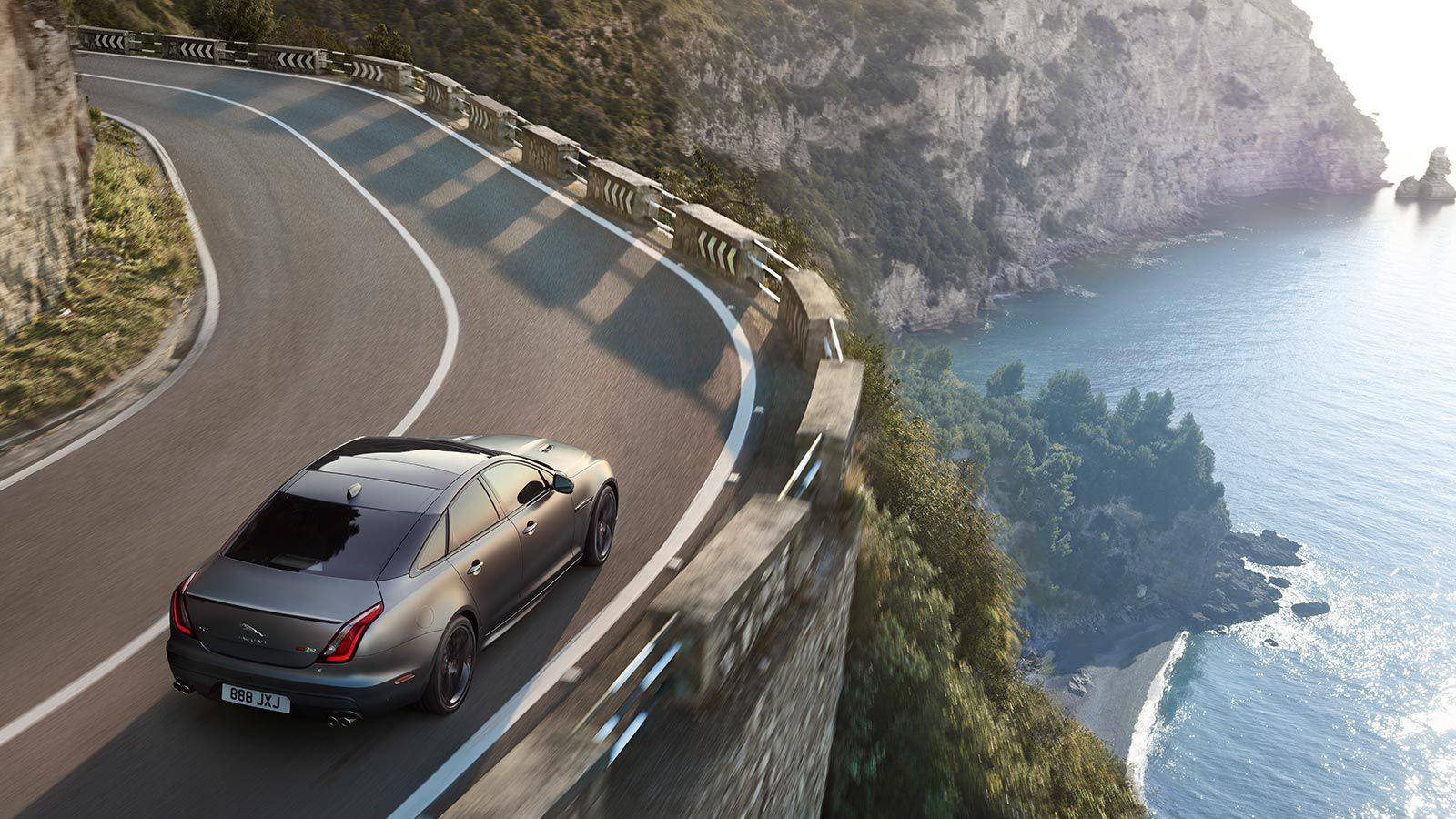 Jaguar XJ Gallery   Jaguar XJ Saloon Car   Jaguar New Zealand