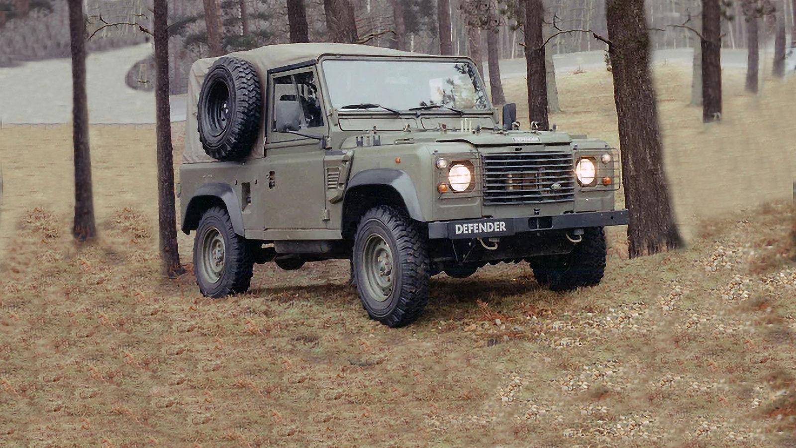 1996'da ordu için yaklaşık 8.000 adet Defender XD üretildi