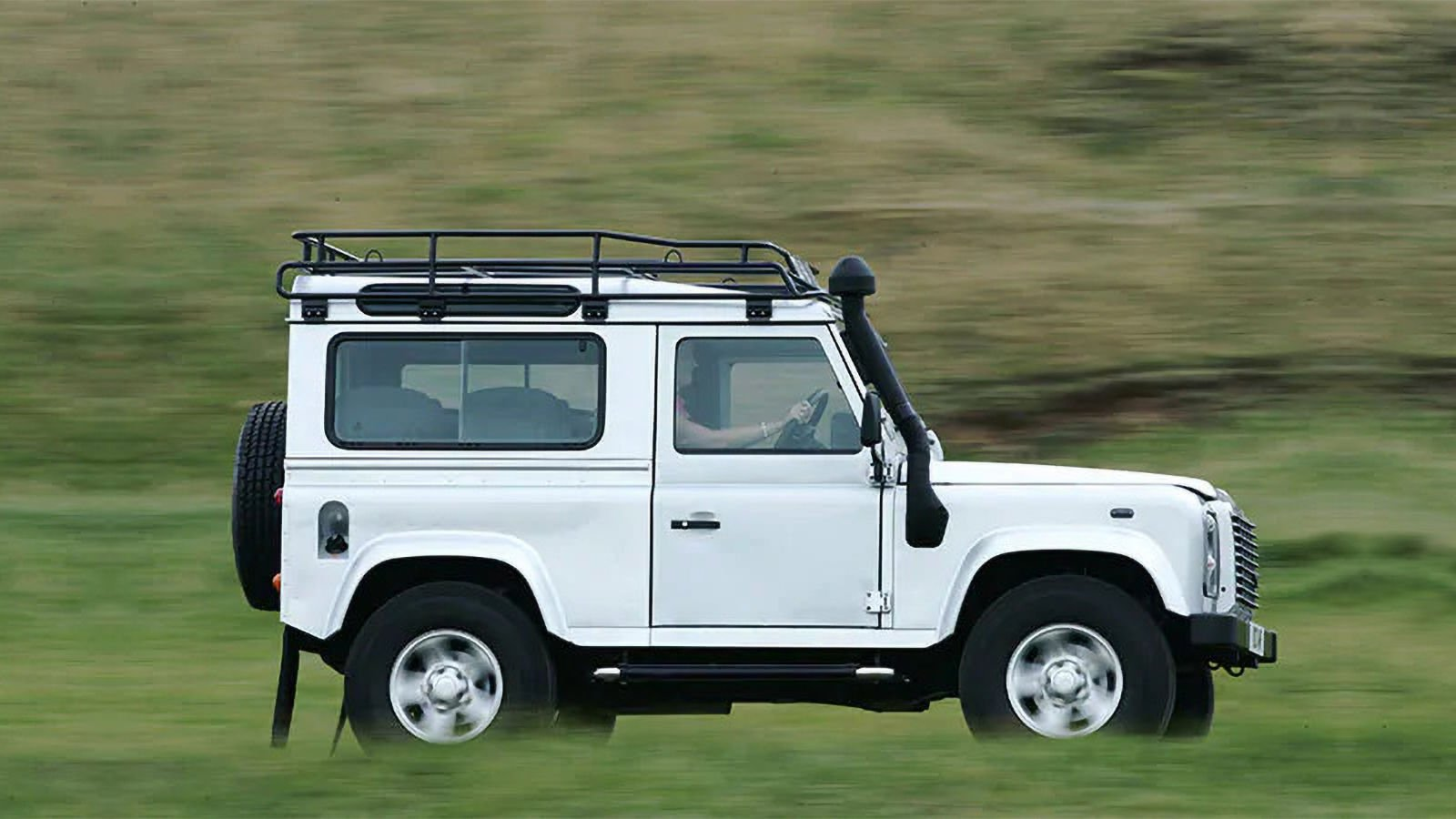 Land Rover Defender Ninety.