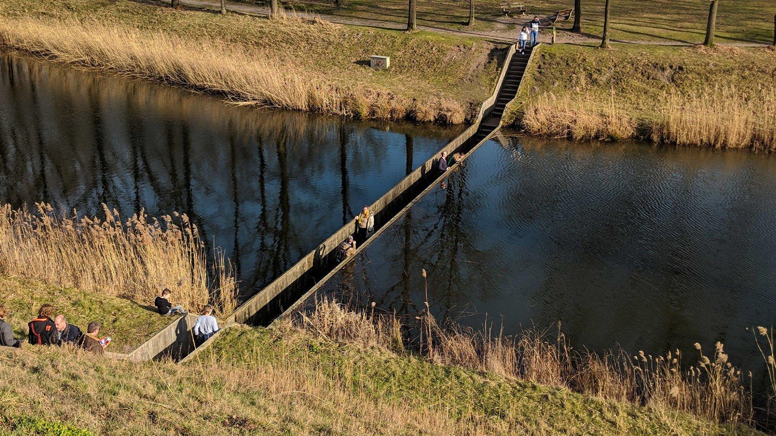 Musa Köprüsü, Hollanda
