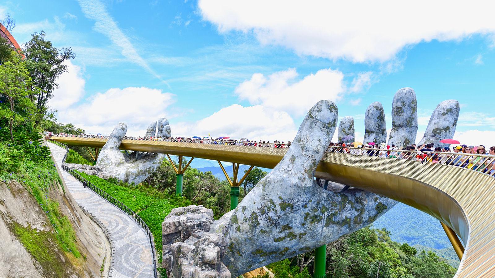 The Gold Bridge, Vietnam