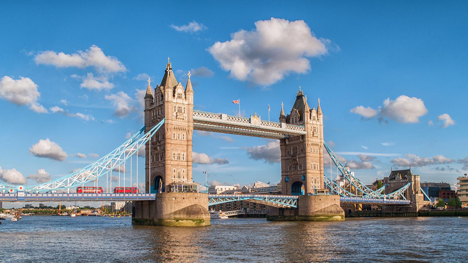 Tower Bridge, İngiltere