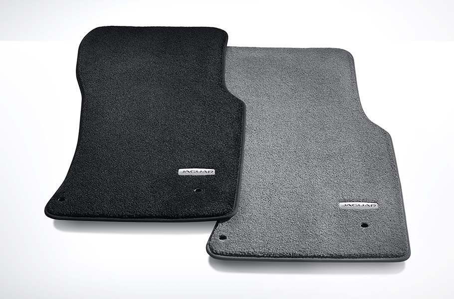 THE CARBON FIBRE PACK INCLUDES:
