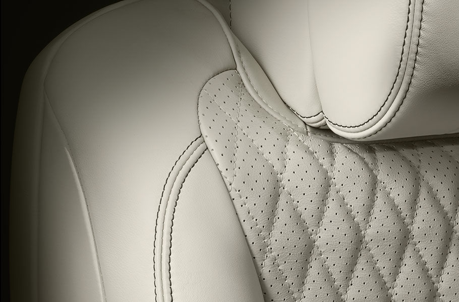 DIAMOND QUILTED STICH LEATHER