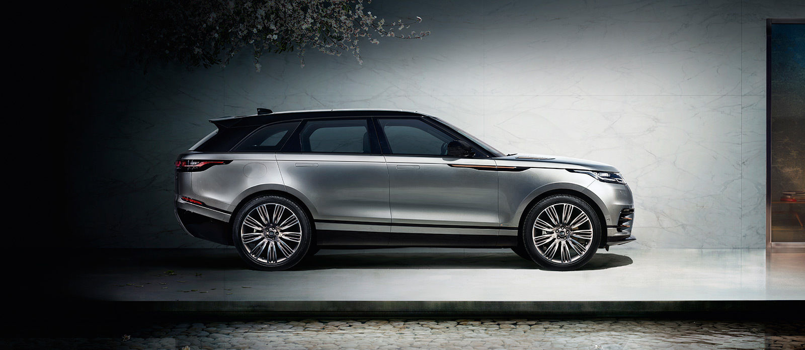 NEW RANGE ROVER VELAR