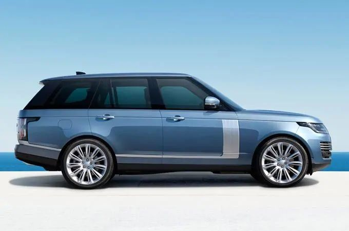Land Rover 4x4 Cars & Luxury SUV British Design | Land Rover Ireland