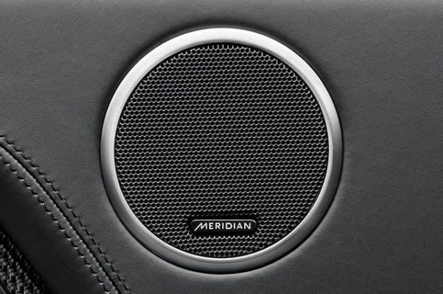 MERIDIAN™ SURROUND AUDIO SISTEM