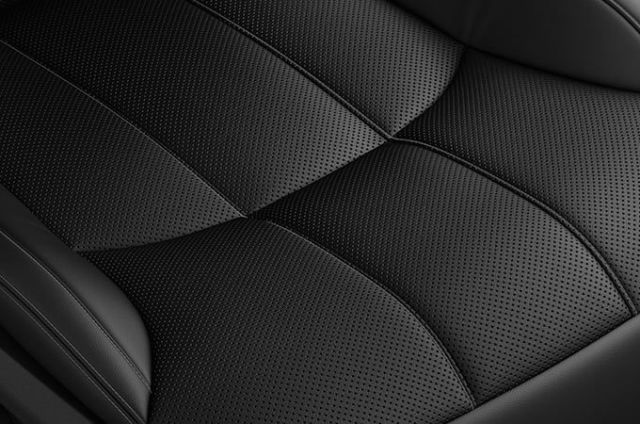 PERFORATED GRAINED LEATHER SEATS